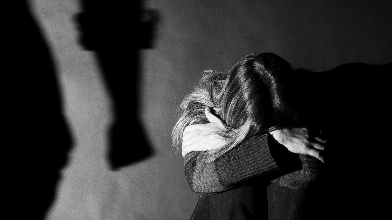 25684338b0ab 8 «λόγοι» που οι άντρες χτυπούν τις γυναίκες που αγαπούν (και δεν έχουν  καμία δικαιολογία)