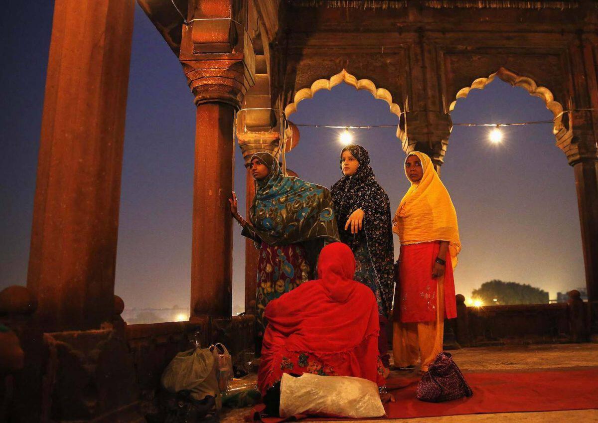 γνωριμίες σε Ραμαζάνι η Σάνθι Άγκαθα που χρονολογείται με το σκοτάδι
