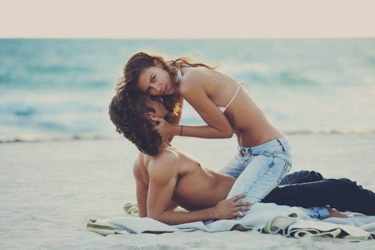 γυναίκα δίνοντας άνθρωπος στοματικό σεξ