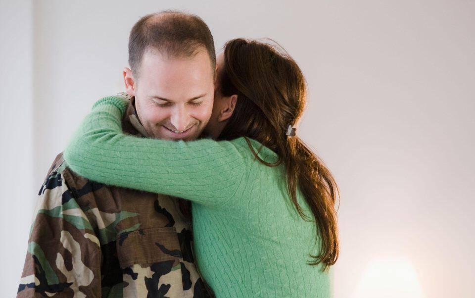 Πώς ξέρεις αν βγαίνεις με κάποιον ή με αγόρι ψηλές ιστοσελίδες γνωριμιών